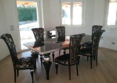 Tavolo con sedie